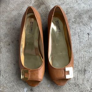 Low wedge tan Michael kors shoes